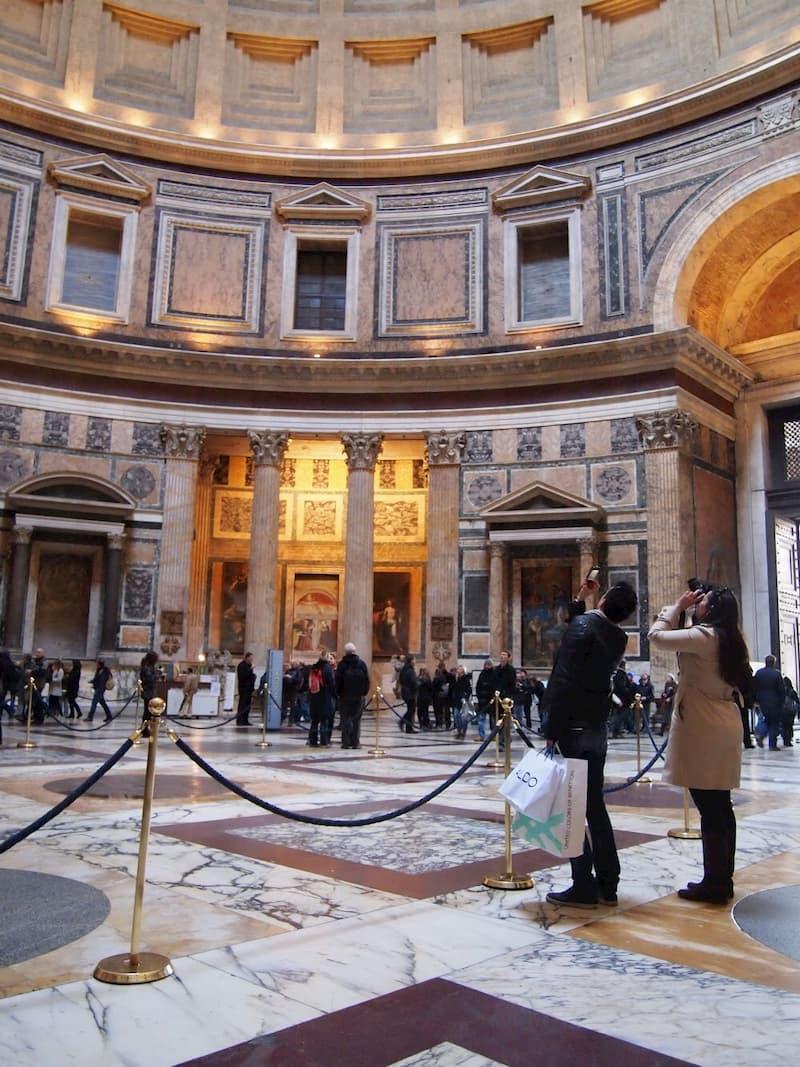 Собор и площадь Святого Петра - достопримечательности Рима