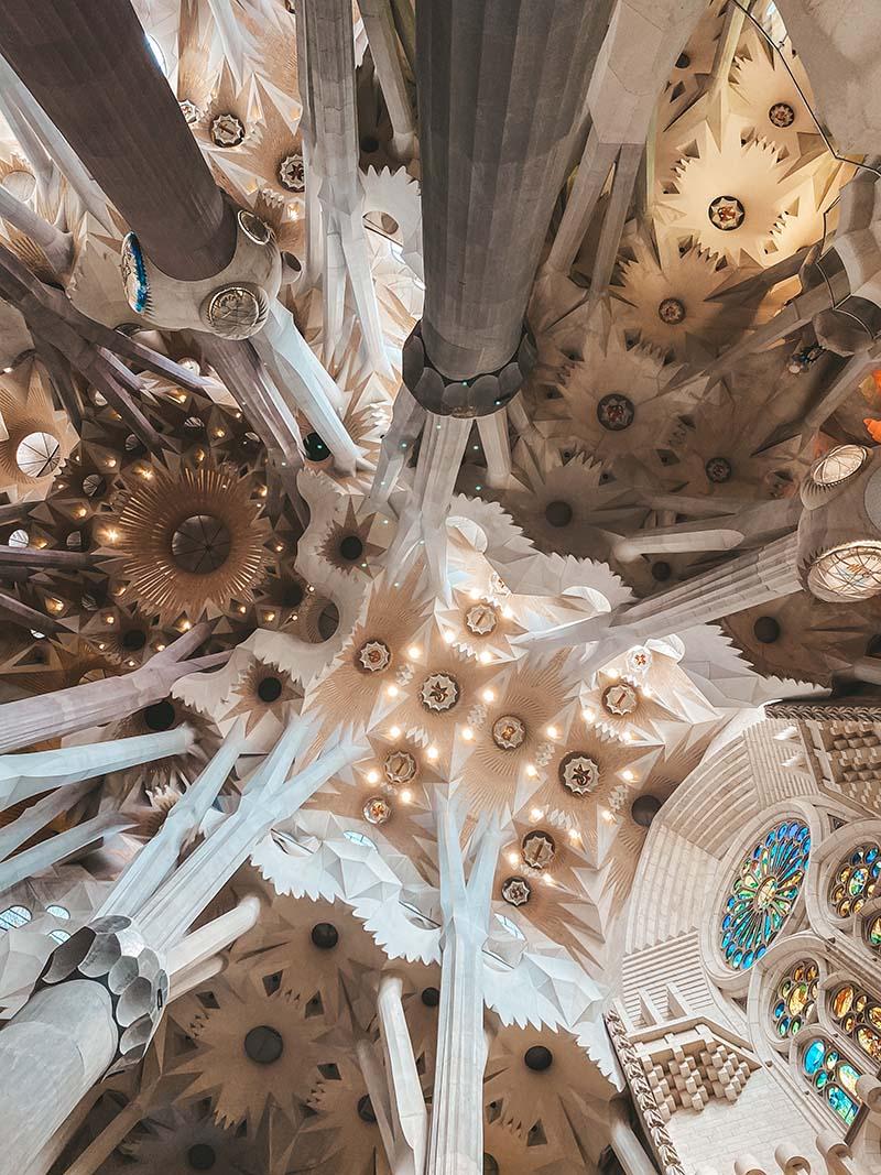 Барселона Гауди собор