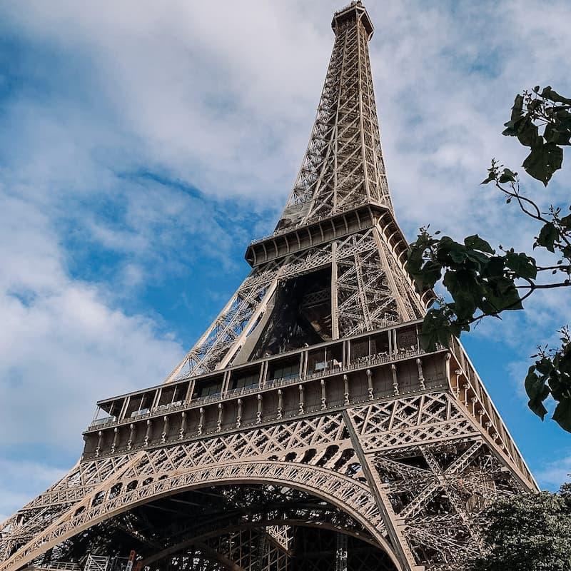 Сколько стоит поездка в Париж